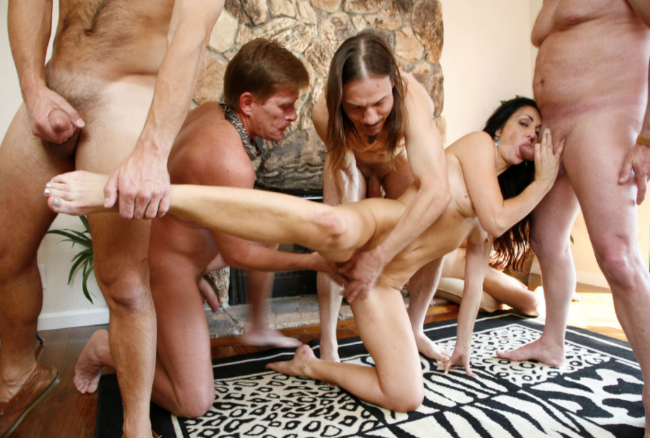 Good pay porn site for bukkake orgy videos.